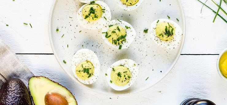 Avokado Deviled Eggs